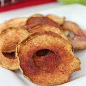 Cómo hacer chips de manzana en el horno. ¿Son saludables los chips de manzana? Estas papas fritas de manzana horneadas son muy fáciles de hacer, saludables y saben muy bien. Le encantarán estas rodajas de manzana al horno fáciles.