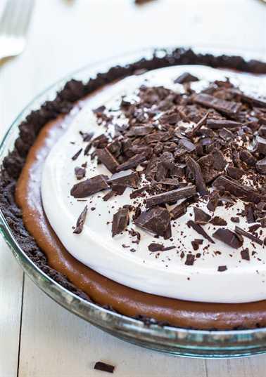 pastel de seda de chocolate con corteza de Oreo