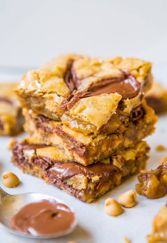Nutella-Swirled Peanut Butter Chip Blondies - Mixer-Free Easy Bowl Mixer at averiecooks.com