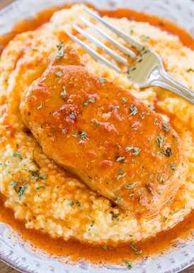Chuletas de cerdo Buffalo Ranch de olla de cocción lenta: ¡solo 3 ingredientes! ¡Estas son algunas de las mejores chuletas de cerdo que hemos comido! ¡Tan simple y MUY bueno! ¡Todos limpiaron su plato! ¡Genial para ver fútbol! ¡Sirve sobre sémola de queso cheddar! ¡MORIR POR! ¡Mmm!