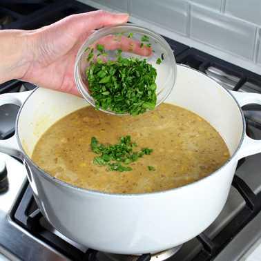 Chili de pollo blanco cremoso con frijoles grandes del norte Receta e imagen: cómo cocinar chile de pollo parte 3