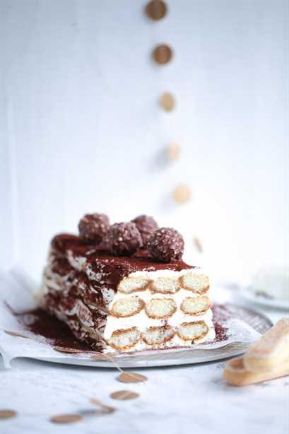 Tiramisú Semifreddo helado receta azúcar canela amor Ferrero Rocher galletas mascarpone licor de kahlua cacao idea de postre navideño