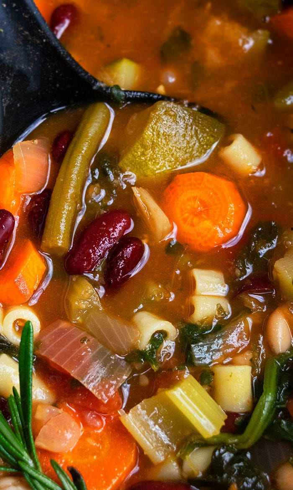 Receta fácil de sopa de verduras mexicana