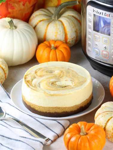 Pastel de queso de calabaza marmolado instantáneo