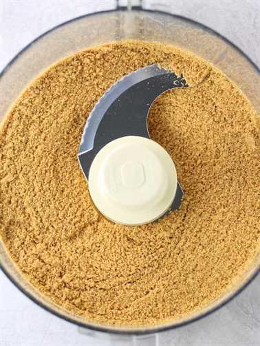 Cómo hacer corteza de galleta Graham en un procesador de alimentos