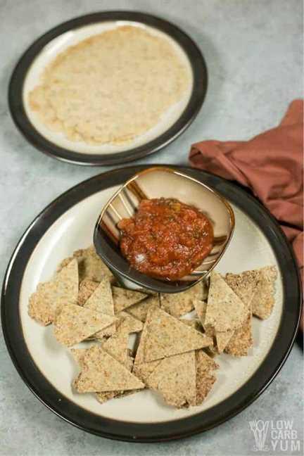 Receta casera de chips de tortilla baja en carbohidratos