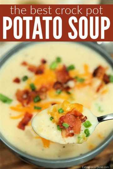 ¿Estás buscando una receta fácil de sopa de papas de barro? La sopa de papas de cocción lenta es la mejor comida reconfortante y muy simple. Prueba la sopa de papas Crock pot.