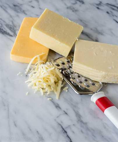 Queso y queso Cheddar blanco estilo familiar