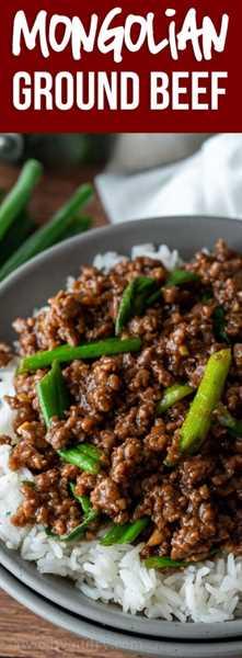 ¡Mmm! Esta receta súper fácil de carne molida de Mongolia es como la carne mongol clásica, ¡excepto que usa hamburguesas, por lo que está lista en unos 15 minutos!