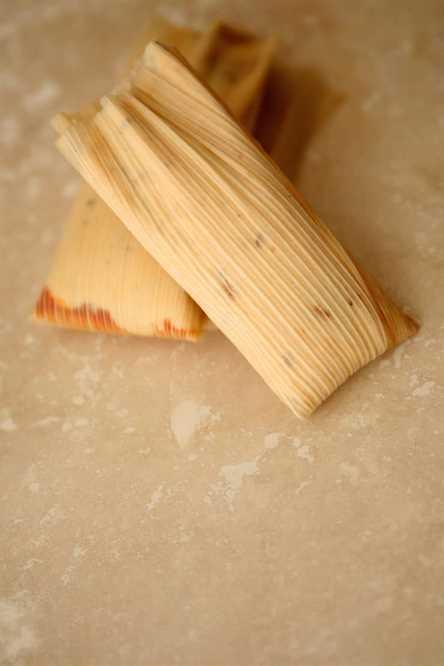 Cómo hacer Tamal Dough (Masa para Tamales) dos tamales crudos