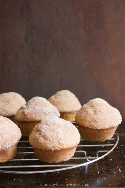 magdalenas de donut de calabaza con recubrimiento de azúcar de canela 682x1024 Muffins de donut de calabaza recubiertos de azúcar con canela