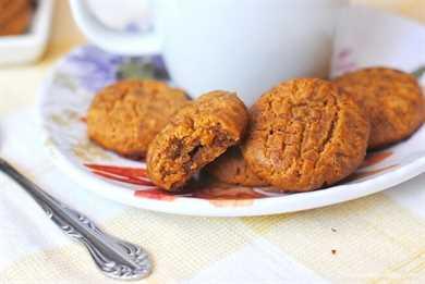 Estas galletas de mantequilla de maní Keto tienen un sabor tan satisfactorio que ni siquiera se perderá