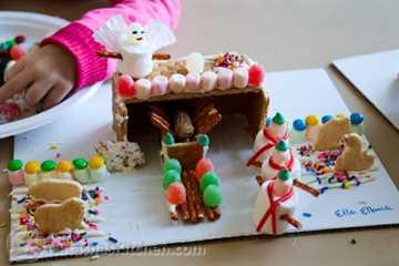 Gingerbread Manger Gingerbread House-7