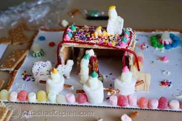 Gingerbread Manger Gingerbread House-8
