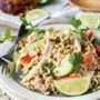 Ensalada de pasta con pollo tailandés