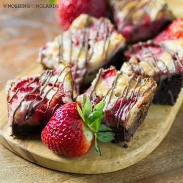 Chocolate bars with strawberries