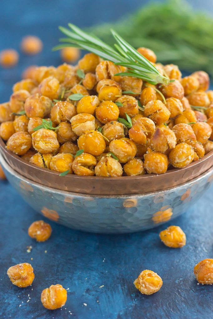 These roasted parmesan herb chickpeas are a healthy way to satisfy those cravings. Filled with fresh rosemary, thyme, oregano, and a pinch of Parmesan cheese, these crispy chickpeas are full of flavor and irresistibly delicious!