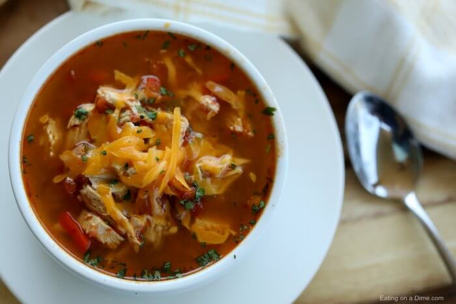 Si está buscando una idea de comida sencilla y deliciosa, pruebe la sopa de fajita de pollo Instant Pot. La sopa de fajita de pollo a olla a presión es rápida, fácil y baja en carbohidratos.
