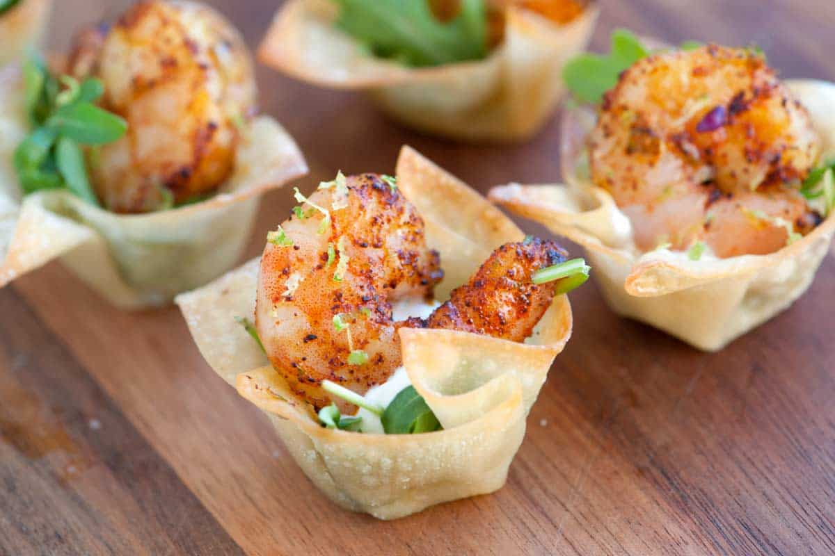 Shrimp cups with chili and lime recipe