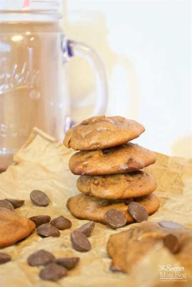 ¡Estas galletas de chispas de chocolate con mantequilla de almendras no contienen gluten, pero tienen un sabor tan decadente que nunca sabrás que son saludables!