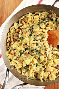 A One Pot Mushroom Spinach Pasta Meatless Dinner Idea That Takes Just 20 Minutes 200x300 One Pot Pasta with Sausage and Beets