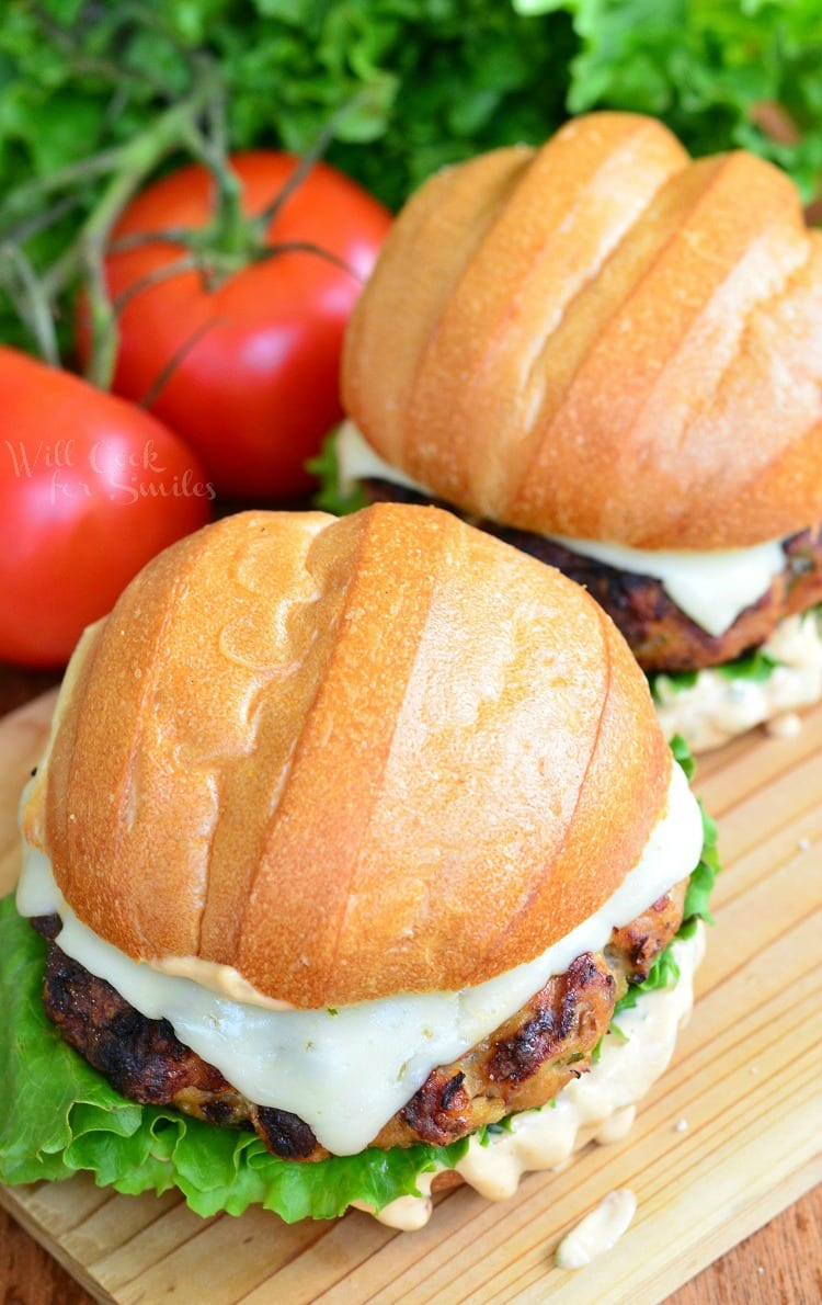 Chicken burger with spicy chipotle | from willcookforsmiles.com