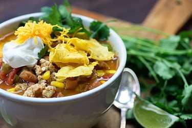 Sopa de taco de pollo: ¡una receta ligera, saludable y familiar para la cena que es perfecta para # Weightwatchers!