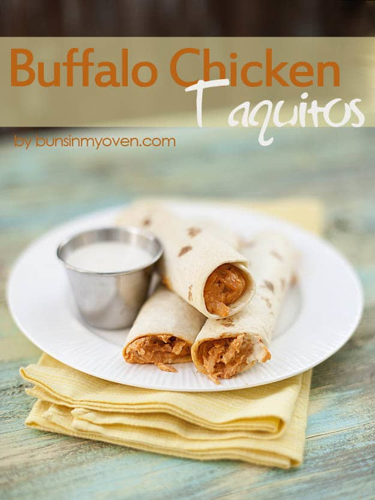 Buffalo Chicken Taquitos - Comida de fútbol por bunsinmyoven.com