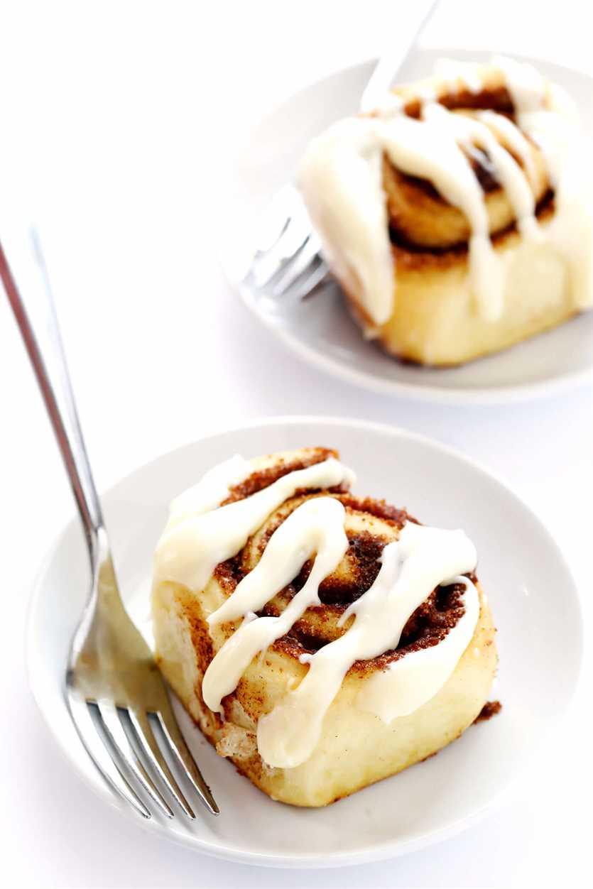 La mejor receta de rollos de canela con glaseado de queso crema