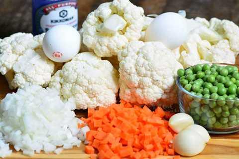 Lo que entra en el arroz frito con coliflor