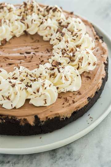sin hornear pastel de queso con chocolate entero