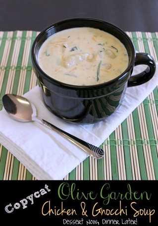 Sopa de pollo y ñoquis de olivo