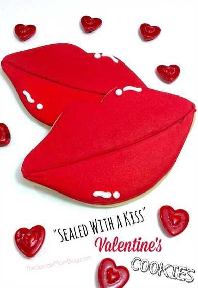 ¡Estas galletas de San Valentín decoradas en forma de labio son un descanso de todo lo habitual en forma de corazón! ¡Súper lindo y perfecto para hacer tu cariño! #valentinesday #cookies #dessert
