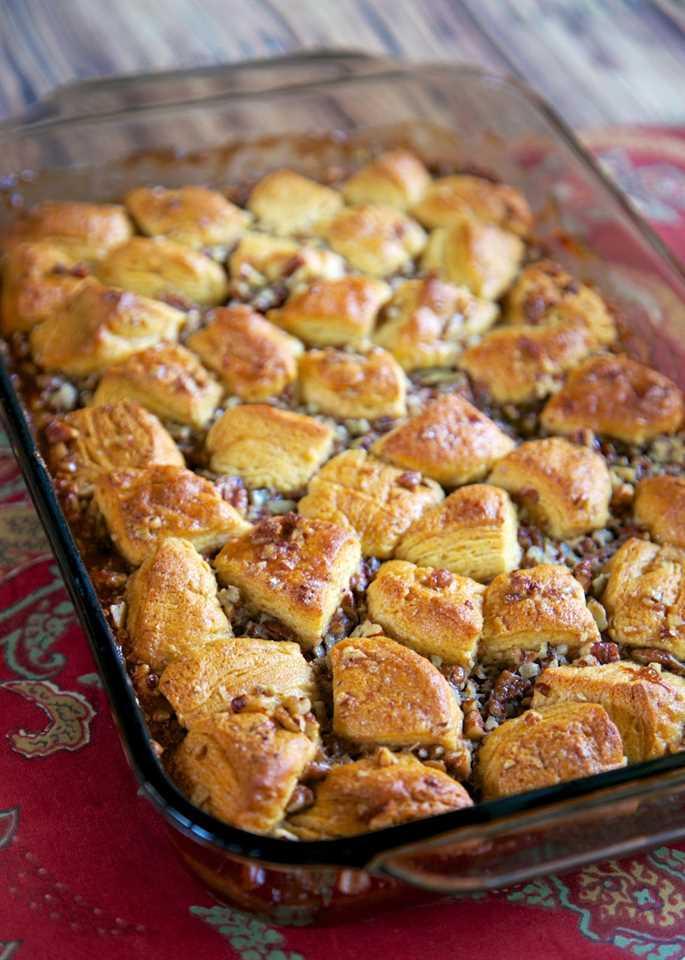 Pecan Pie Bubble Up - relleno de pastel de pacanas con galletas - ¡loco! ¡Sírvalo tibio con helado de vainilla! A todos les ENCANTA esta receta de postre fácil. Siempre lo primero que hay que ir!