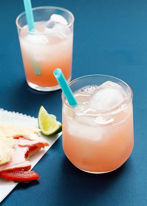 ¡Esta combinación ligera y refrescante de pomelo y tequila hará que tu corazón cante, incluso en el frío del otoño!