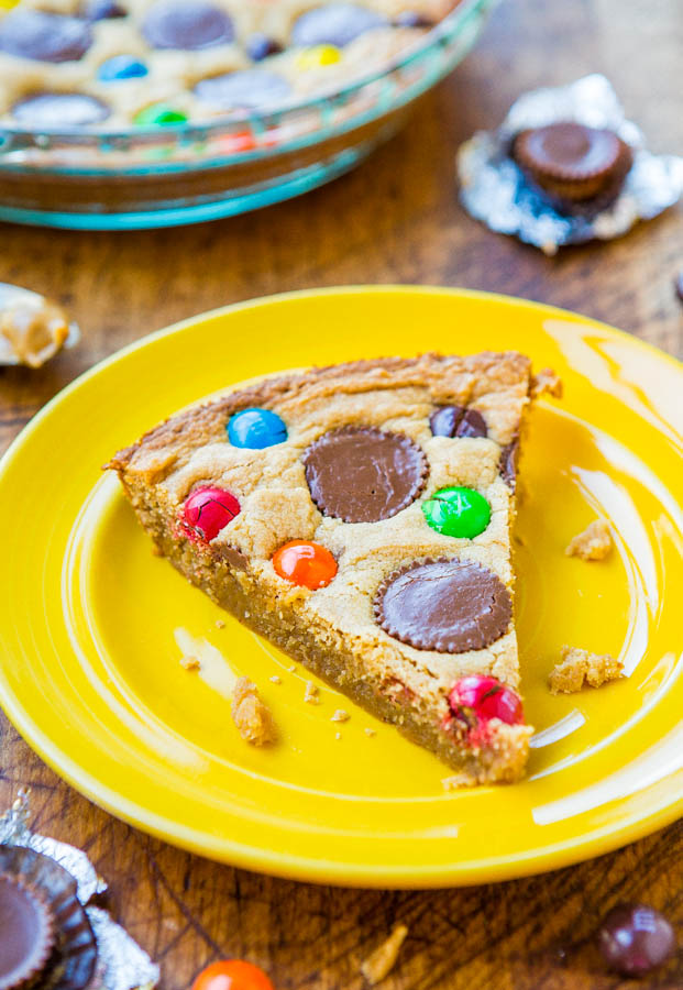 Triple Peanut Butter Cookie Cake: This quick and easy cookie cake has worked with peanut butter in 3 different ways. If you are a peanut butter lover, this is for you!