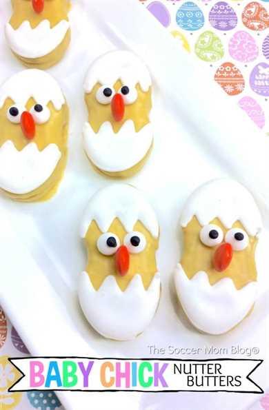¡Mira estas bellezas! ¡Las galletas Nutter Butter Chicks son un regalo fácil de Pascua que los niños pueden ayudar a preparar y una receta sin hornear que es perfecta para fiestas!