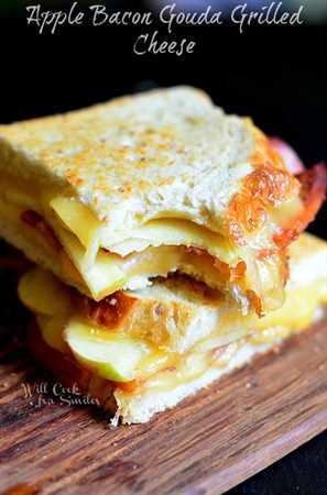 Apple Bacon Gouda Queso a la Parrilla 2 (c) willcookforsmiles.com #apple #bacon #sandwich