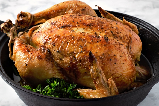 Horno de pollo asado jugoso fácil horneado a la perfección