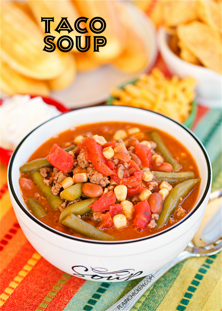 Taco Soup: ready in less than 30 minutes! I love this version with green beans and beer! Burger, pinto beans, green beans, green beans, stewed tomatoes, beer, diced tomatoes, and green chilies, taco seasoning, and Ranch dressing mix. We do this at least twice a month. So good!! You can freeze leftovers for a quick meal later. You can also do this in the slow cooker.