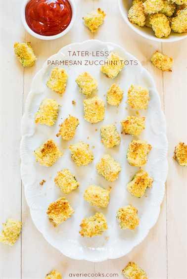 Tots de calabacín parmesano sin tater - ¡Nunca te perderás los taters! Crujiente, crujiente y tan bueno! ¡Olvidarás que estás comiendo calabacín!