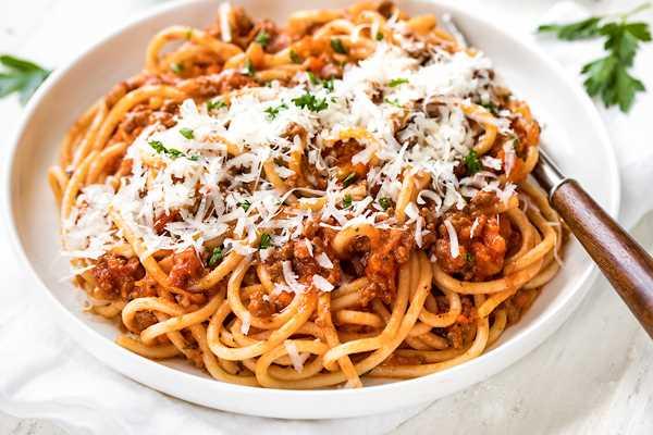 Ricette Spaghetti Bolognese.Spaghetti Alla Bolognese Ricetta Semplice E Salutare