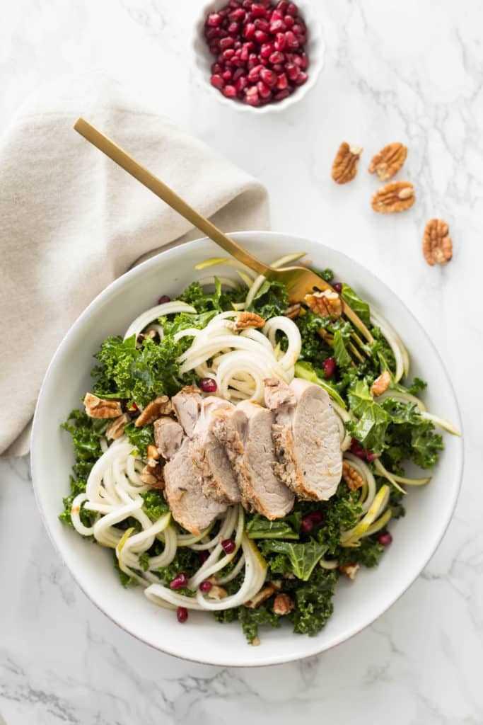 Салат с жареной свининой и брокколи с овощами – пошаговый рецепт с ... | 1024x683