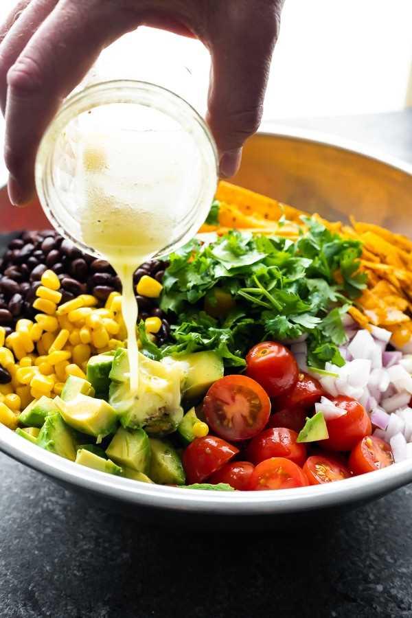 Receita de salada de couve mexicana com molho de limão e mel
