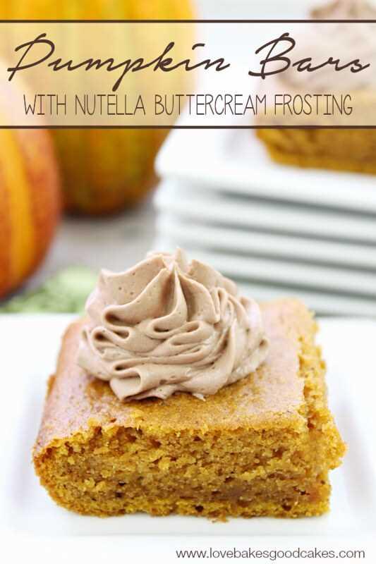 ¡Estas barras de calabaza con glaseado de crema de mantequilla Nutella combinan 2 de mis ingredientes favoritos! Esta es una receta imprescindible! # calabaza #Nutella # caída de azúcar