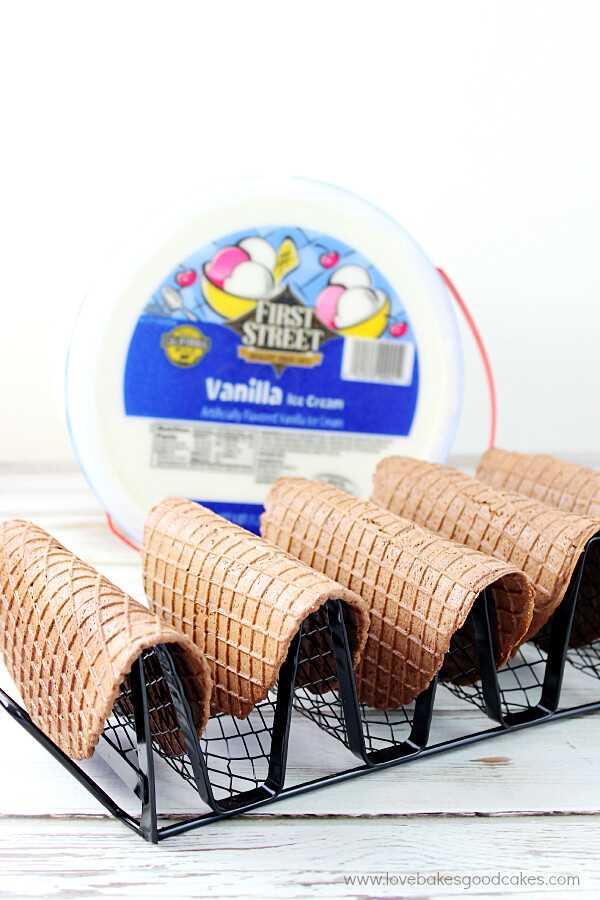 ¡Es divertido hacer estos Choco-Tacos en casa! ¡Estas delicias caseras de novedad son fáciles y son perfectas para el verano! #ChooseSmart #ad