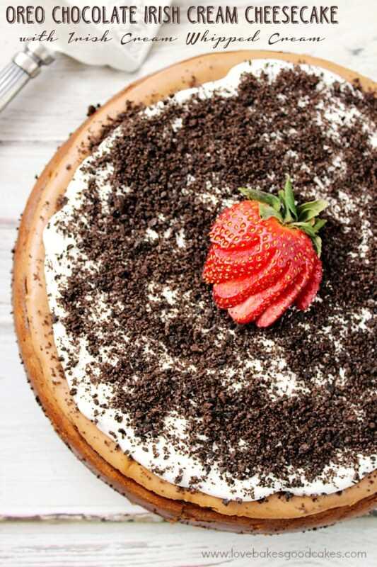 Cheesecake com creme de chocolate irlandês Oreo com creme irlandês chantilly de Love Bakes Good Cakes