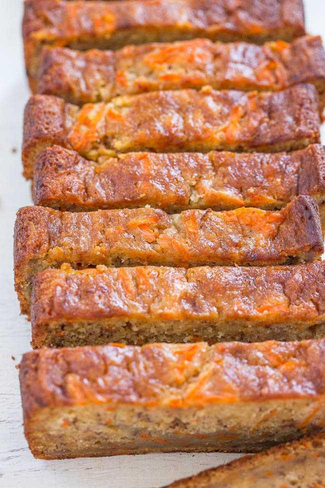 Pan de plátano y zanahoria: ¡pan de zanahoria de plátano súper suave, sin mezclador y súper suave que me recuerda al pastel de zanahoria pero más saludable! ¡Gran idea para el brunch de Pascua o bien horneado en primavera!