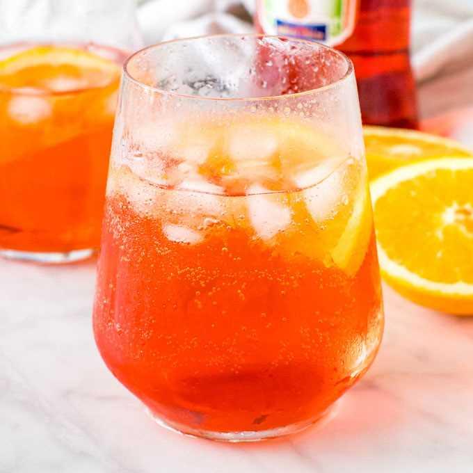 Spritz Ricetta Semplice.Cocktail Classico Aperol Spritz Ricetta Semplice E Salutare