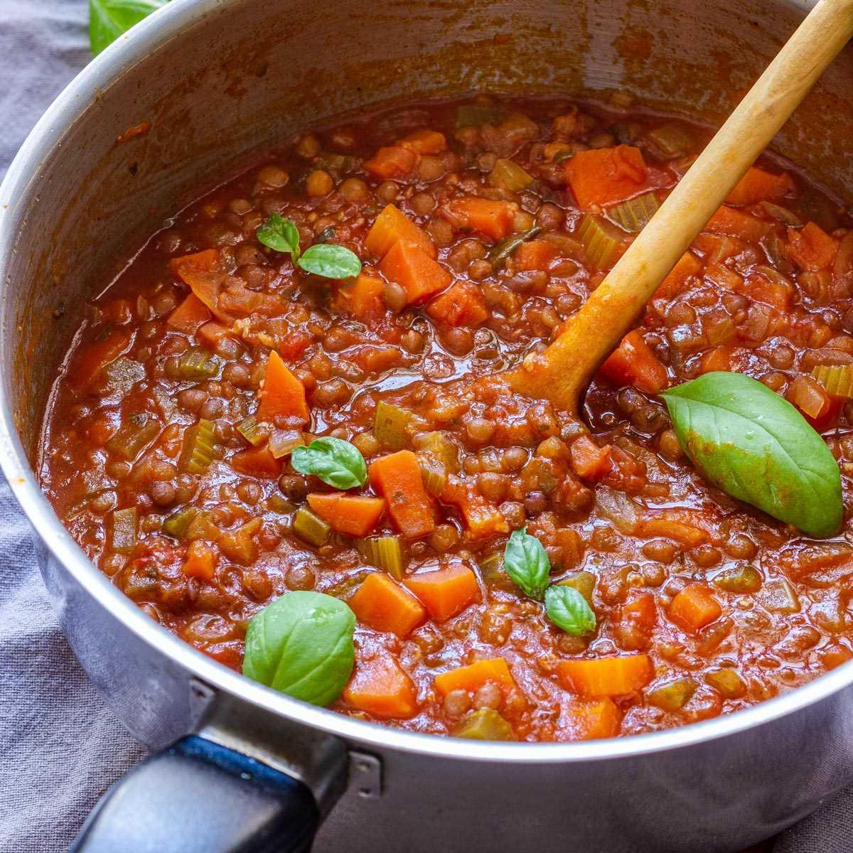 Ricetta Bolognese Vegetariana.Salsa Bolognese Vegetariana Di Lenticchie Ricetta Semplice E Salutare